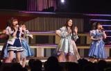 メンバーとともに「恋するフォーチュンクッキー」を披露 (C)ORICON NewS inc.