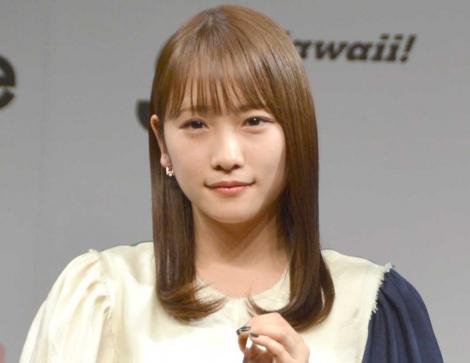 ヘア業界甲子園『HAIR OF THE YEAR2019』のタレント部門に選出され授賞式に登壇した川栄李奈