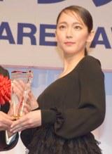 『第30回 日本ジュエリー ベストドレッサー賞』の授賞式に出席した吉岡里帆 (C)ORICON NewS inc.