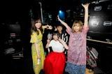 石野理子(前列中央)を新ボーカルに迎えた赤い公園