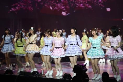 AKB48のアジア7グループでジョイントコンサート(C)AKS