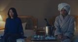 映画『美人が婚活してみたら』のメイキング写真 (左から)黒川芽以、中村倫也