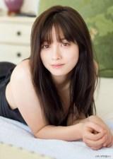『週刊ヤングマガジン』第10号の表紙を飾った橋本環奈(C)JIMMY MING SHUM (W) /ヤングマガジン