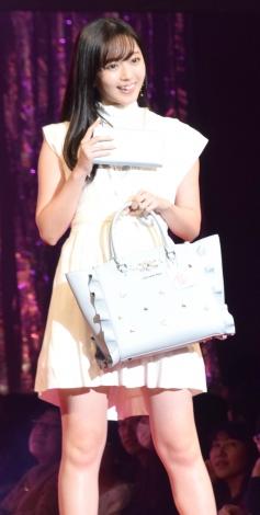 『Samantha Thavasa 25周年キック・オフプレ発表会』に登場した鈴木愛理 (C)ORICON NewS inc.