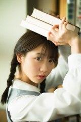 『ヤングジャンプ』10号の表紙を飾った『制コレ18』グランプリ・来栖りん(C)細居幸次郎/集英社