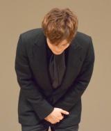 授賞式に遅れたことを謝罪する松坂桃李=第61回「ブルーリボン賞」授賞式 (C)ORICON NewS inc.