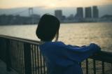 映画『ホットギミック』より堀未央奈の後ろ姿を写した本編のイメージスチール(C)相原実貴・小学館/ 2019 「ホットギミク」製作委員会