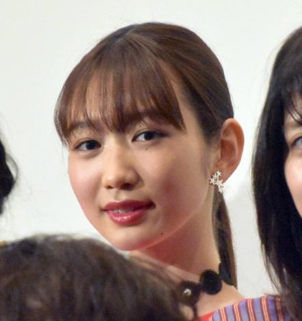 映画『BACK STREET GIRLS−ゴクドルズ−』公開記念舞台あいさつに登壇した岡本夏美 (C)ORICON NewS inc.