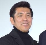 映画『洗骨』公開記念舞台あいさつに登壇した照屋年之監督