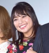 映画『洗骨』公開記念舞台あいさつに登壇した水崎綾女