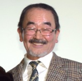 映画『洗骨』公開記念舞台あいさつに登壇した坂本あきら