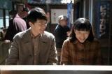連続テレビ小説『まんぷく』交際するようになった福子と萬平がデートで立ち寄った屋台。萬平(長谷川博己)と世良(桐谷健太)が一緒にラーメンを食べた店でもある(C)NHK