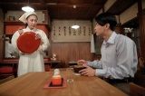 連続テレビ小説『まんぷく』東京・大衆食堂やまねのラーメンの味を気に入る神部(瀬戸康史)(C)NHK