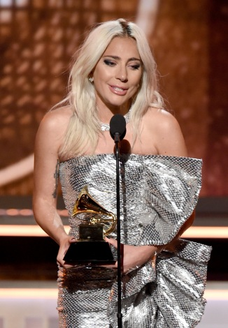『第61回グラミー賞』レディー・ガガ & ブラッドリー・クーパー「Shallow」が最優秀ポップ・パフォーマンス(グループ)を受賞(C)GettyImages