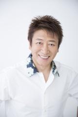 『声優紅白歌合戦2019』に出演する井上和彦
