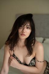 注目女優・奥山かずさの1st写真集『かずさ』(C)佐藤裕之/講談社