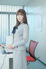 鈴木浩介主演『癒されたい男』にレギュラー出演する宇野実彩子(AAA)(C)「癒されたい男」製作委員会