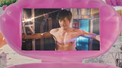 ボートレース新CMシリーズ「姫たちだってLet's BOAT RACE」第3話に出演する田中圭