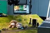 土手などセットもすべて作りました=Netflixオリジナルシリーズ『リラックマとカオルさん』(Netflixで4月19日から独占配信)(C)2018 San-X Co.,Ltd.All Rights Reserved.