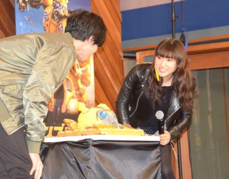 映画『バンブルビー』(3月22日公開)の公開アフレコに参加した(左から)志尊淳、土屋太鳳 (C)ORICON NewS inc.