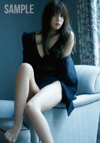 サムネイル 1st写真集『感情の構図』の特典画像が公開となった欅坂46・小林由依 撮影/鈴木心