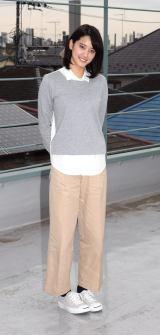 スラッとしたパンツスタイルで笑顔の山崎紘菜=フジテレビ系『平成物語 〜なんでもないけれど、かけがえのない瞬間〜』取材会 (C)ORICON NewS inc.