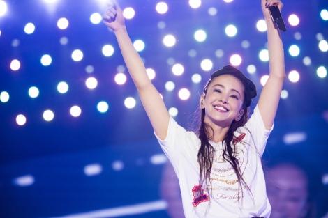 『第33回日本ゴールドディスク大賞』のアーティスト・オブ・ザ・イヤーを2年連続で受賞した安室奈美恵