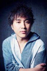 4月スタートの新番組『川柳居酒屋なつみ』常連客として出演するムロツヨシ(C)テレビ朝日