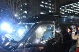新井浩文被告をのせた車(東京・警視庁本部前)  (C)ORICON NewS inc.