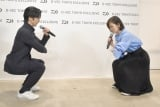 MCとともに筋トレを行う武田真治=ファッションブランド『D-VEC TOKYO EXCLUSIVE』オープニングイベント (C)ORICON NewS inc.