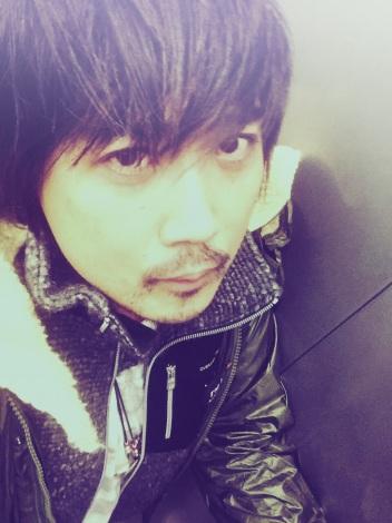 3作連続で坂道AKBのミュージックビデオを手がけた東市篤憲氏