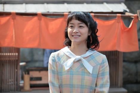 吉乃を演じる深川麻衣/『まんぷく』(C)NHK