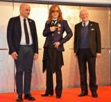 (左から)マルコ・ポデスキ大臣、高見沢俊彦、マンリオ・カデロ大使 (C)ORICON NewS inc.