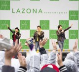 ラゾーナ川崎プラザでイベントを行ったゴリパラ(C)エイベックス