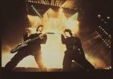 伝説のロックバンドBOΦWY(左から)布袋寅泰、氷室京介