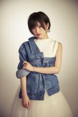 4月17日に初シングルをリリースする山本彩