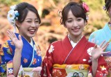 晴れ着撮影会に出席したカレッジ・コスモスの(左から)松井まり、山木梨沙 (C)ORICON NewS inc.