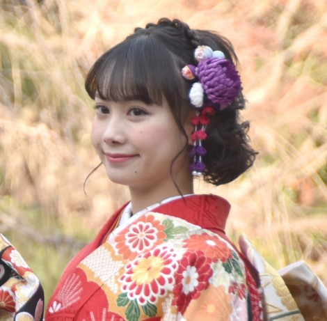 晴れ着撮影会に出席したカレッジ・コスモスの坂本美咲 (C)ORICON NewS inc.