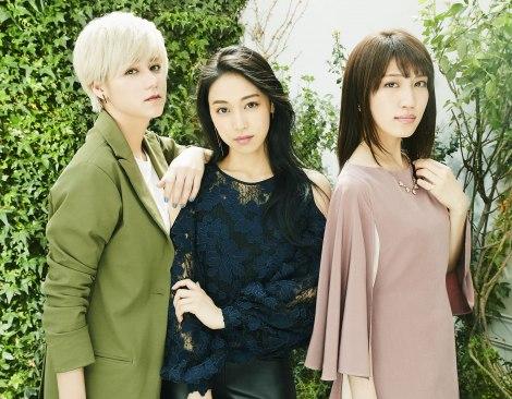 フジテレビ開局60周年特別企画『大奥 最終章』主題歌の Roys(左からSayuri、Arin、Risa)