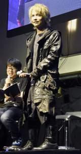 ゲーム『デビルメイクライ5』の発売前夜イベント『SSS Devil Night』に登場したHYDE (C)ORICON NewS inc.