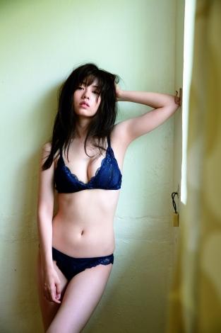 セクシー撮影に初挑戦 小芝風花のセカンド写真集『F』より