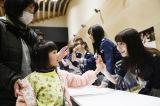 柏木由紀は2011年5月に訪問した岩手県大槌町を再び訪れた(C)AKS