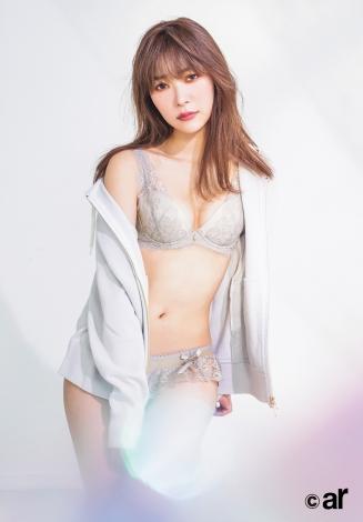 サムネイル 『ar』4月号に登場する指原莉乃