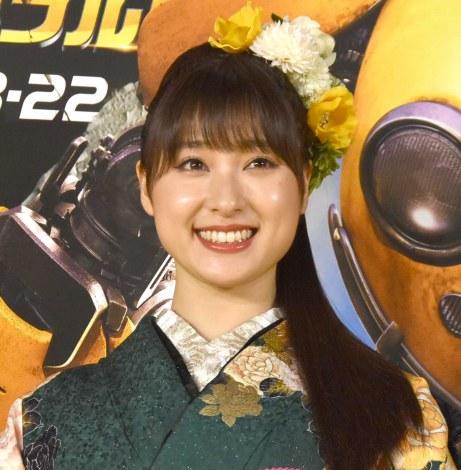 憧れの女優を前に英語であいさつした土屋太鳳= 映画『バンブルビー』(22日公開)のイエローカーペットと舞台あいさつ (C)ORICON NewS inc.
