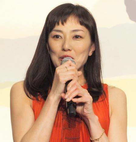 『やすらぎの刻〜道』の制作発表会見に出席した板谷由夏 (C)ORICON NewS inc.