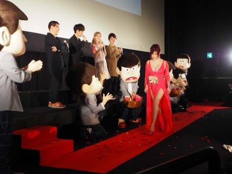 劇場版『えいがのおそ松さん』舞台挨拶に出席した叶美香 (C)ORICON NewS inc.