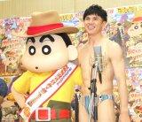"""小島よしお、""""裸""""でアフレコ収録 「そんなの関係ねぇ〜!」披露もリテイクで嘆く"""