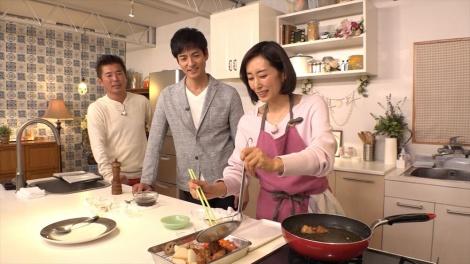料理の腕前も相当=『豪華ゲストを手作り料理でおもてなし! 木村多江のおしゃべりな食卓』BSテレ東/BSテレ東4Kで4月21日放送(C)BSテレ東