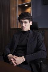 4月22日よりスタートする知念侑李主演『頭に来てもアホとは戦うな!』に出演する佐藤隆太 (C)NTV・J Storm