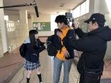 撮影用iPhoneにモニター用iPhoneを装着して撮影(C)ABCテレビ